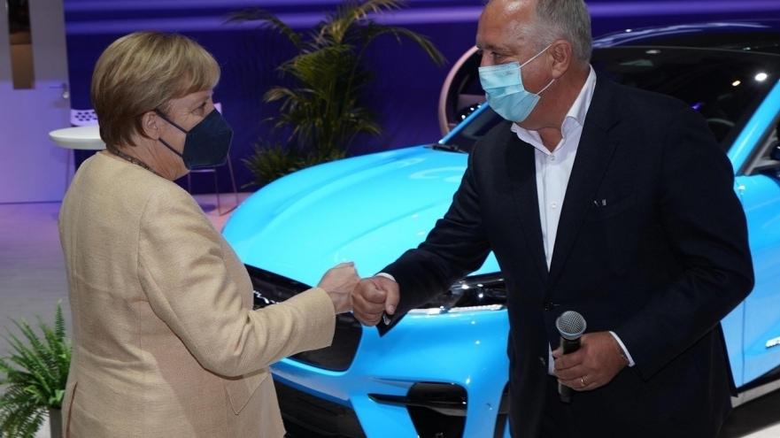 2021-09-07_IAA_Merkel.jpg